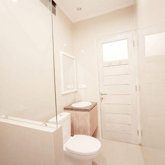 Dini Guest House Bathroom