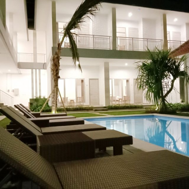 Dini Guest House Pool